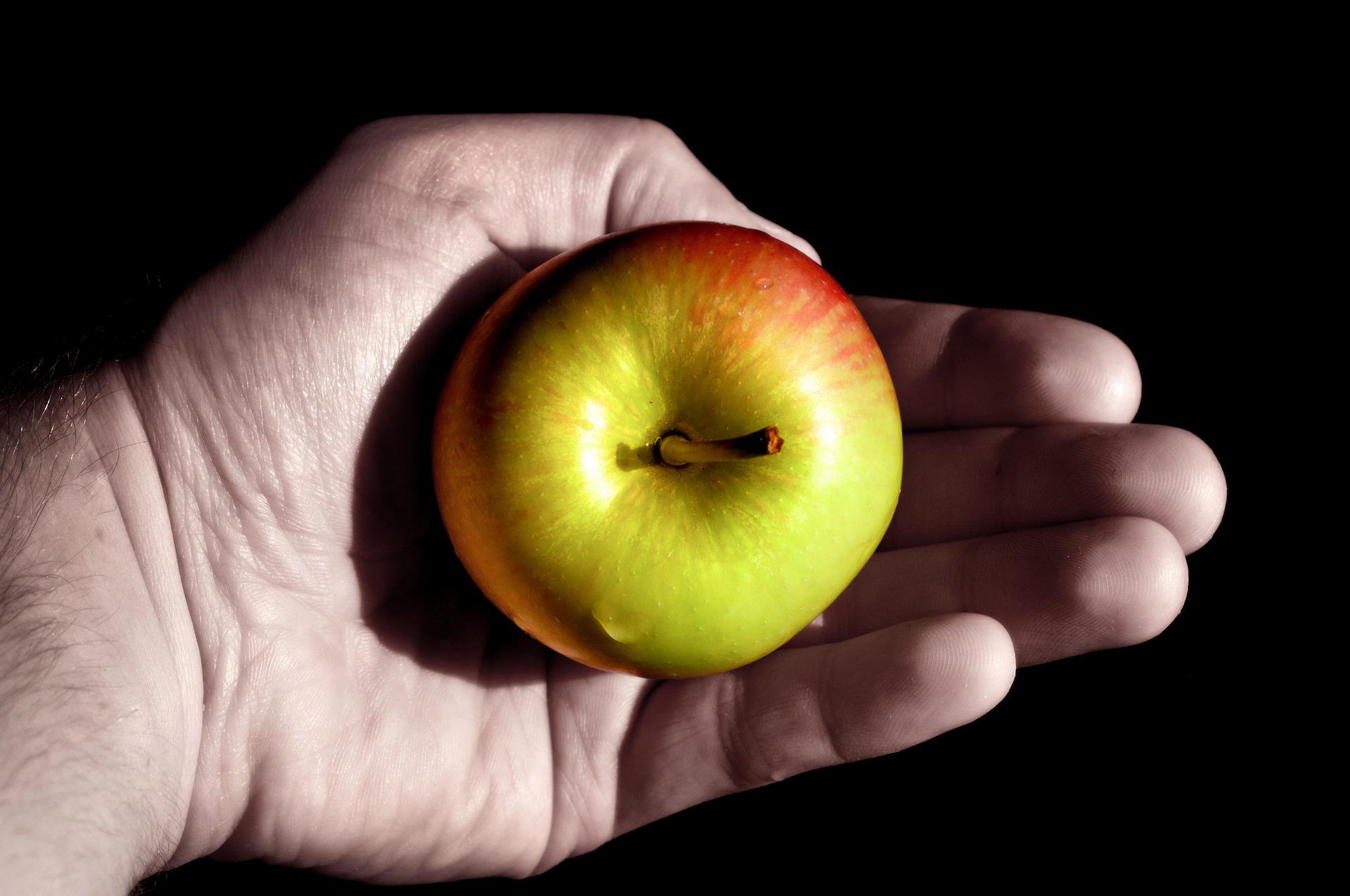 apple-3685939_1920